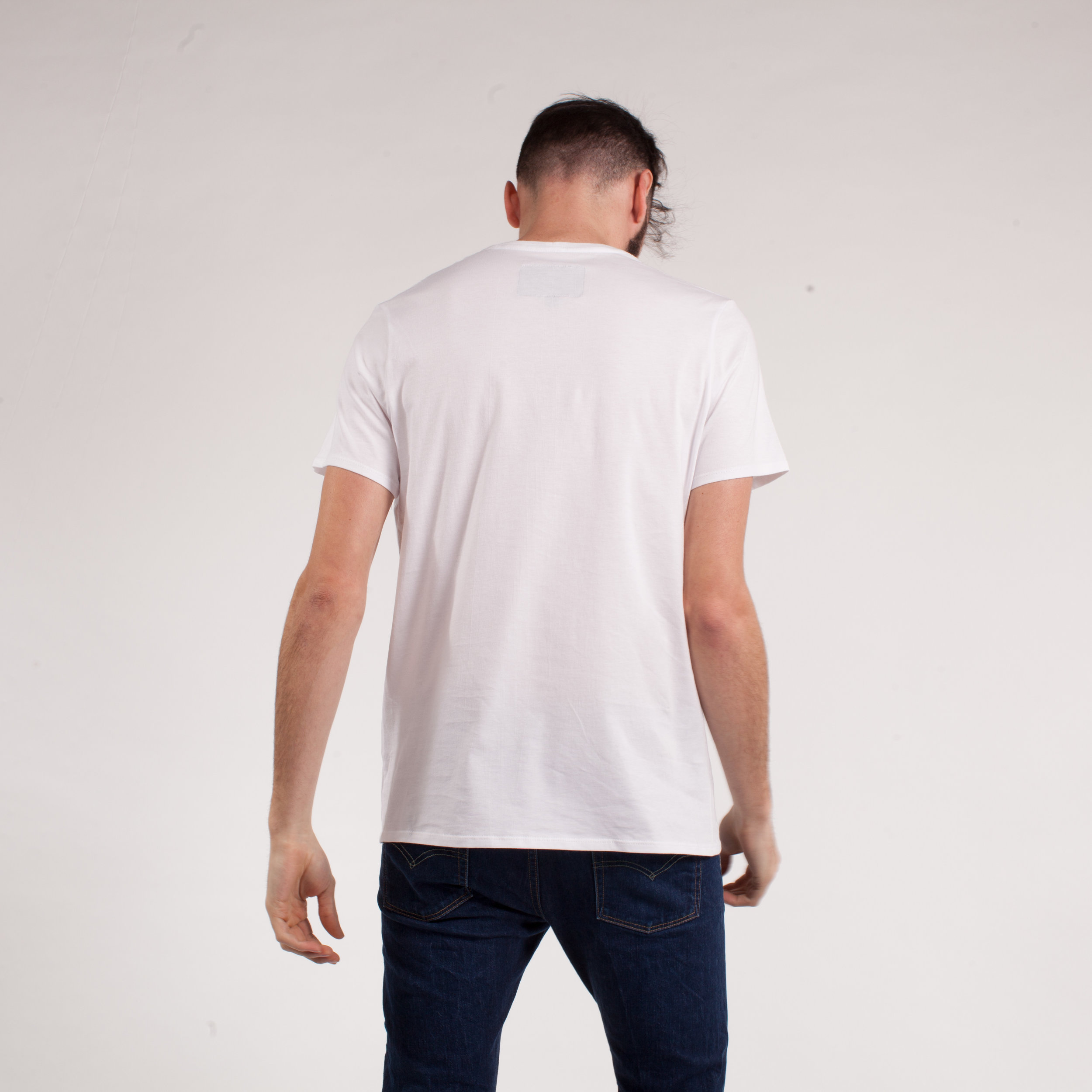 larry-tshirt-blanc-back.jpg