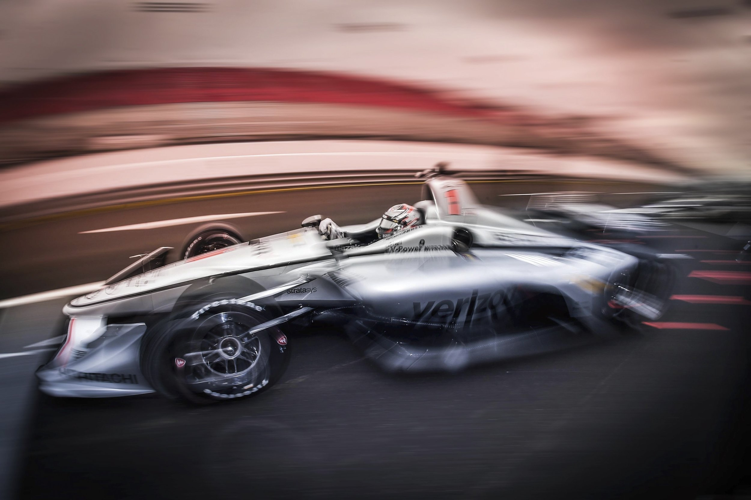 I love this photo, Indycars are sexy, fast, loud, aggressive and somehow smooth all at the same time. This image proves that.