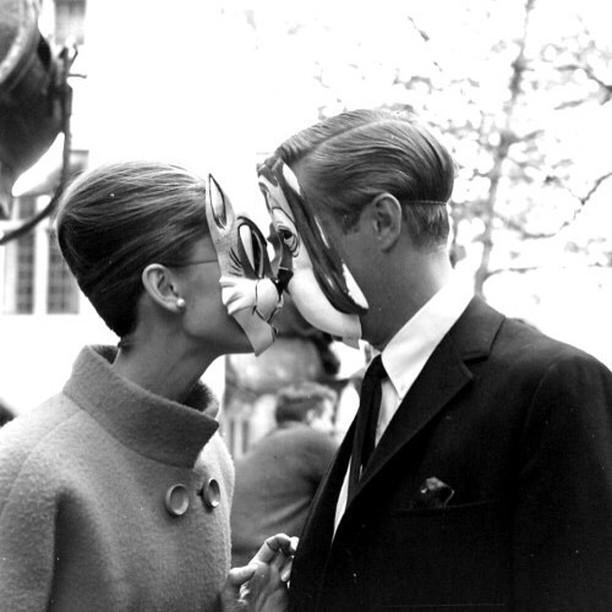 Breakfast at Tiffany's is fun, but breakfast at @169darlinghurst is better... We are open from 7am on Saturdays and from 8am on Sundays. ☀️🍹🐶⠀⠀⠀⠀⠀⠀⠀⠀⠀ .⠀⠀⠀⠀⠀⠀⠀⠀⠀ .⠀⠀⠀⠀⠀⠀⠀⠀⠀ Audrey Hepburn and George Peppard in Breakfast at Tifanny's, 1961. ⠀⠀⠀⠀⠀⠀⠀⠀⠀ #SydneyEats #SydneyFoodie #SydneyFoodies #Sydneyfood #Sydneycafe #SydneyBreakfast #darlinghurst #darlinghursteats #sydneybrunch #sydneyfoodlover #breakfastinsydney