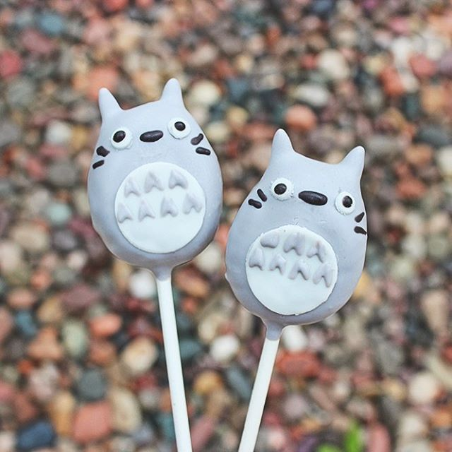 """Reality is for people who lack imagination"" - 🌱Hayao Miyazaki . . #cakepops #dessert #sweets #foodie #foodporn #dailyfood #cake #cupcake #cute #kawaii #sprinkles #totoro #hayaomiyazaki #myneighbortotoro #studioghibli"