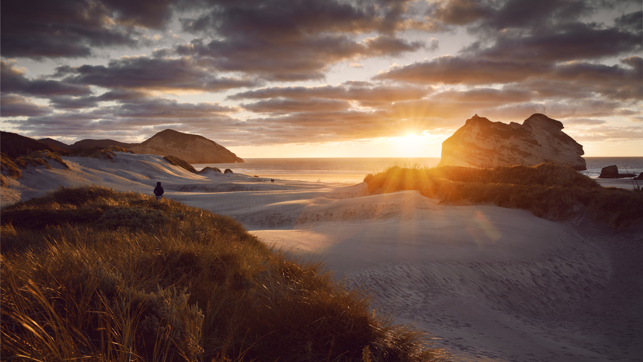 Wharariki Beach_Sunset Hero.jpg
