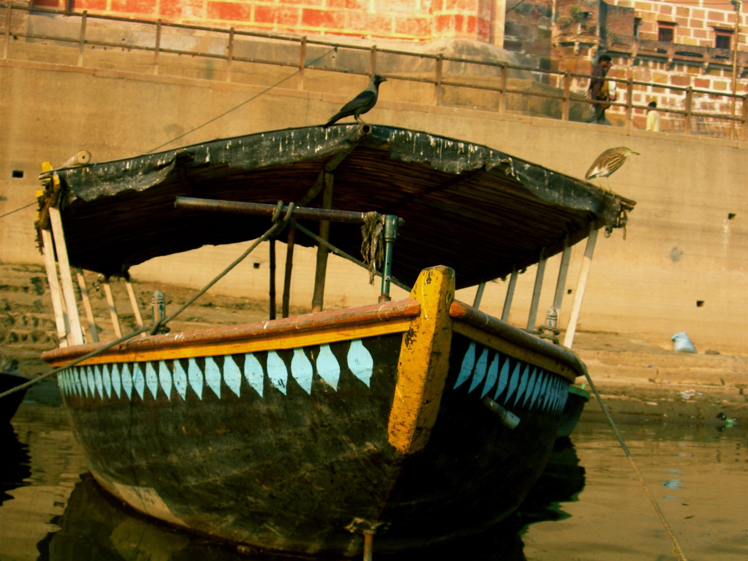0 Benares Boat.JPG