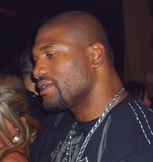 Quinton_Jackson_-_The_Strip,_Las_Vegas,_February_12,_2010_EDIT_(cut).jpg