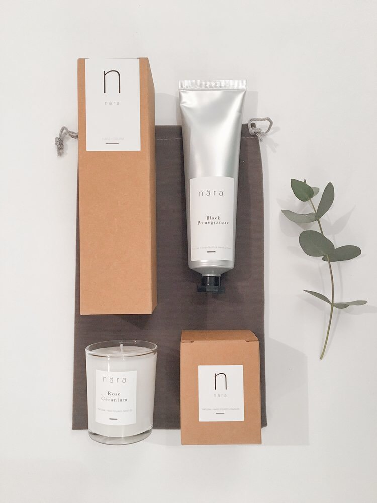 Choose Lovely £18.50 - Choose Lovely is a sensory gift set, focusing on making sure your Valentine feels lovely, with a votive candle and vegan hand cream presented in a cute pouch. Our beloved nära hand cream in the famous Black Pomegranate scent and 9cl votive candle in our newest rose scent - Rose Geranium.