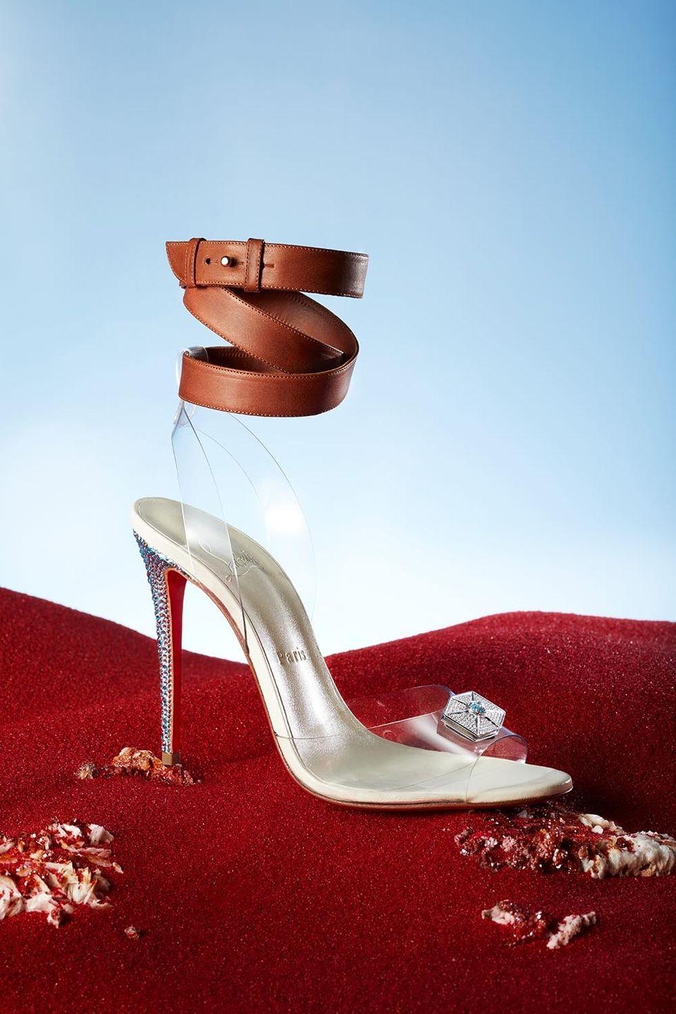 Rey (Daisy Ridley) shoe.jpg
