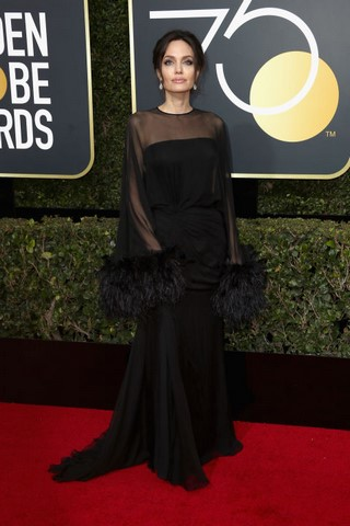 angelina-jolie-wore-an-atelier-versace-to-the-golden-globes (Copy).jpg