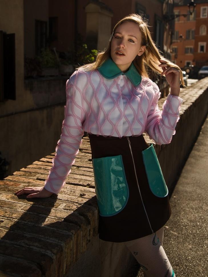 Model: Melissa Pope @themelissarae Total look: Alessandra Caponera @alessandracaponera