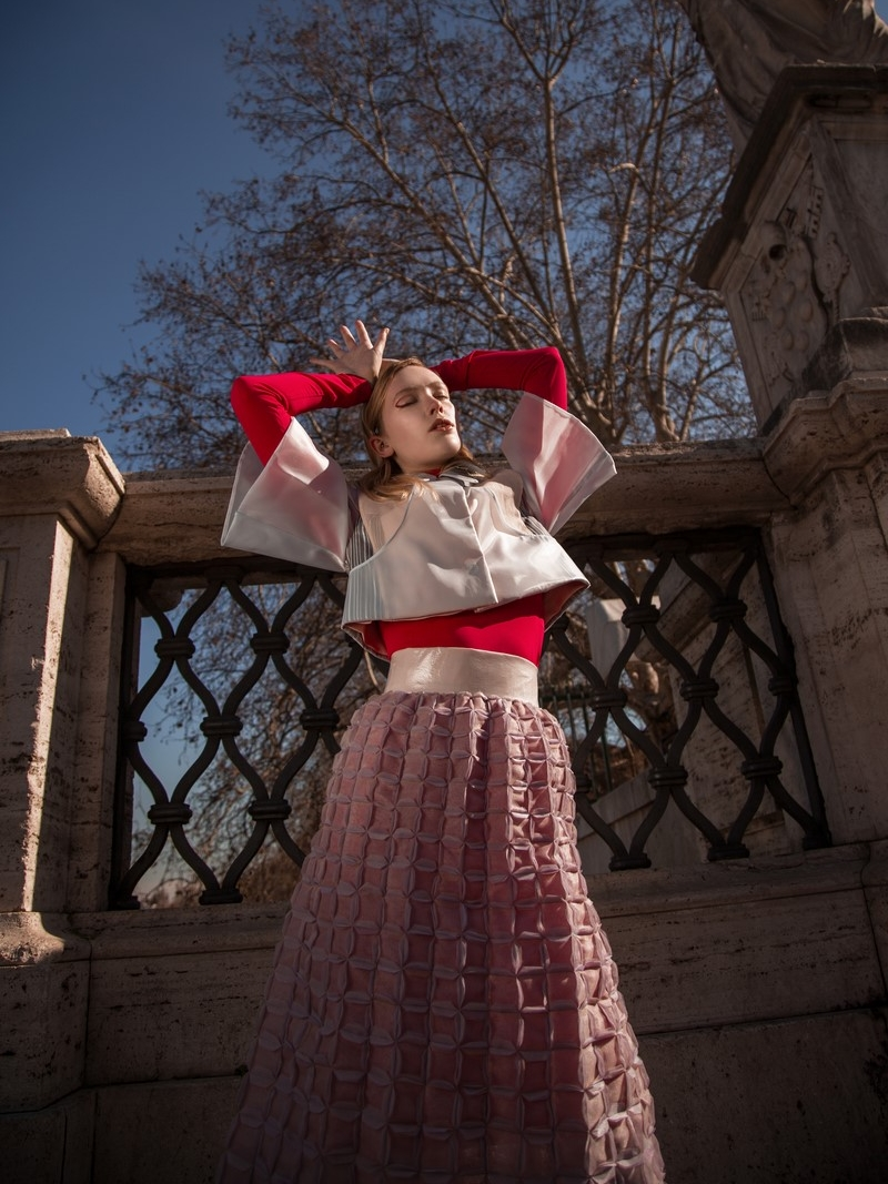 Models: Melissa Pope @themelissarae Total look: Mauro Muzio Medaglia @m.m.muzio