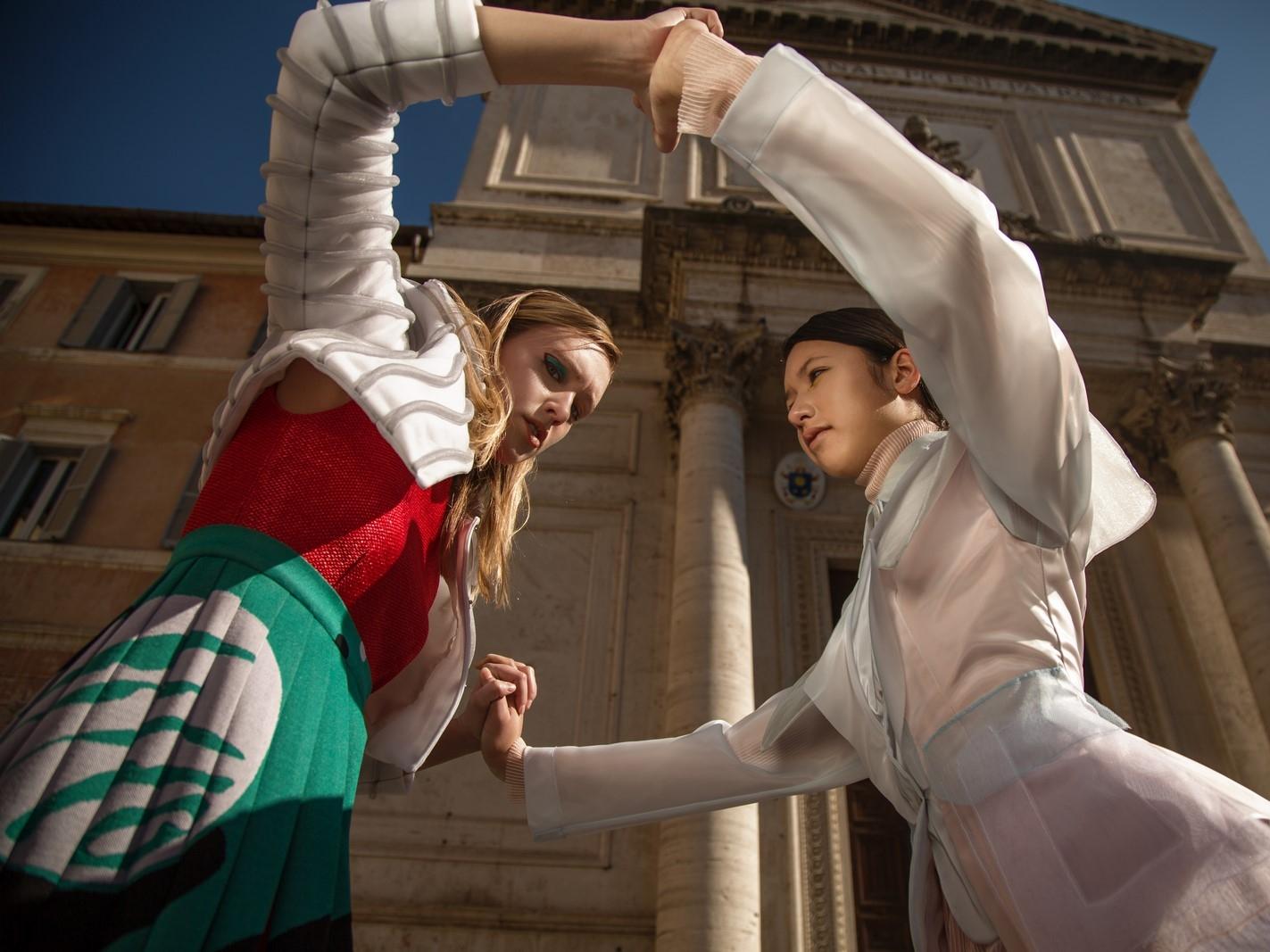 Models: Melissa Pope @themelissarae // Dylan Zoeller @dylan_zoeller Right look: Mauro Muzio Medaglia @m.m.muzio // left look: Alessandra Caponera @alessandracaponera