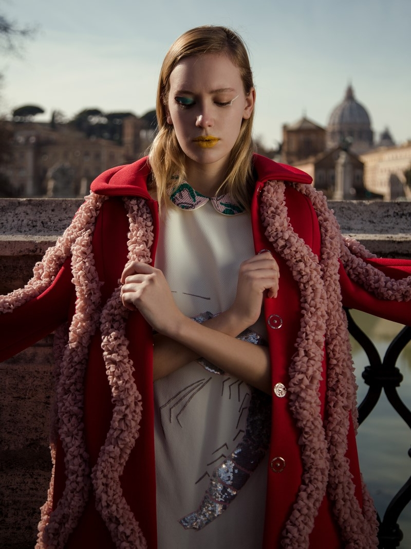 Melissa Pope @themelissarae Total look: Alessandra Caponera @alessandracaponera