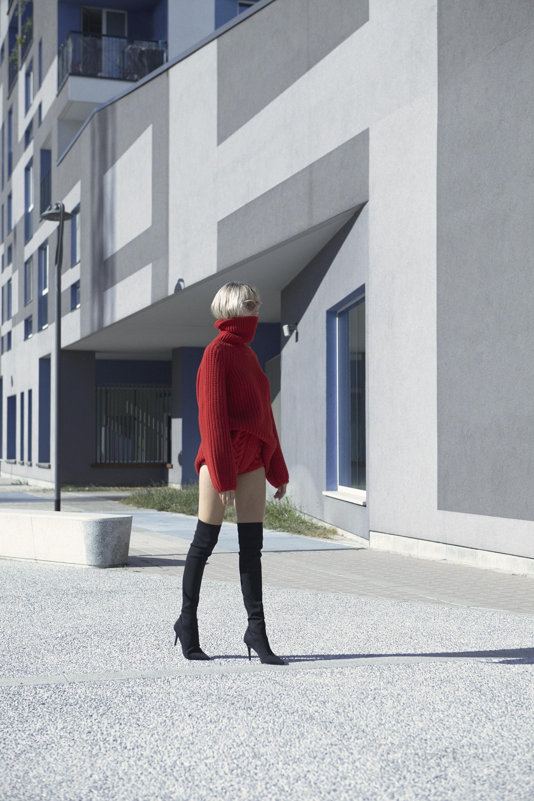 Jumper and culotte 16R Firenze - sunglasses Mykita+MaisonMargiela - Boots Mango