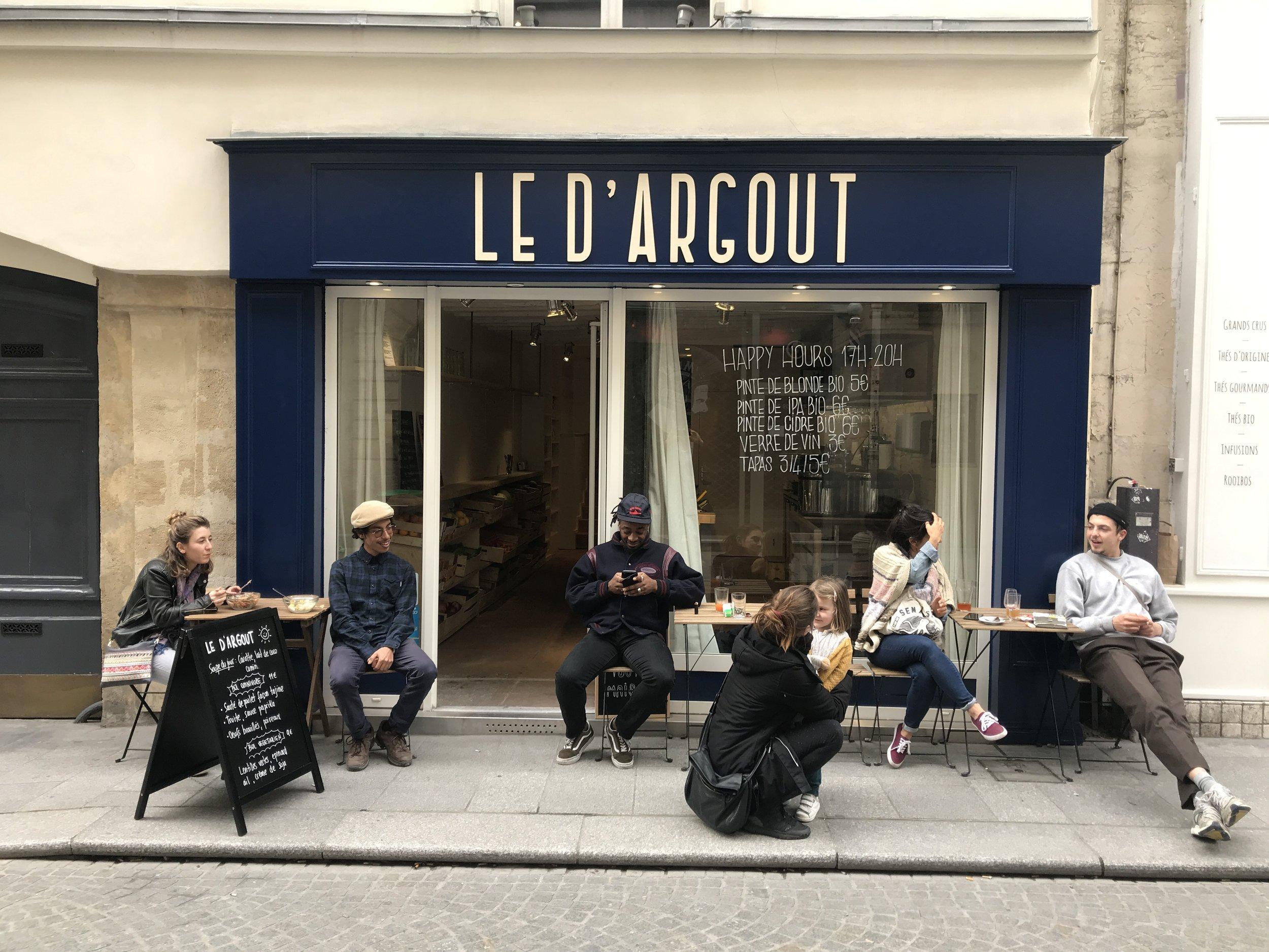 Enseigne en bois pour le restaurant LE D'ARGOUT