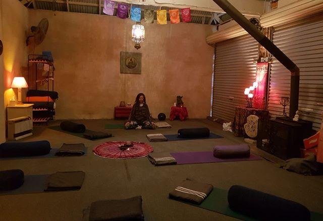 ::Join us for Mind/body/spirit sessions @authenticity_retreat 4:30pm every Sunday!!🕊 #PEAKwellbeing #Meditation #kundalini #Yoga #mindfulness #shamanicjourney #Healing #medicine #wellness