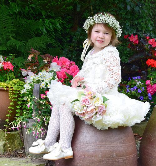 Little flower girl portraiture