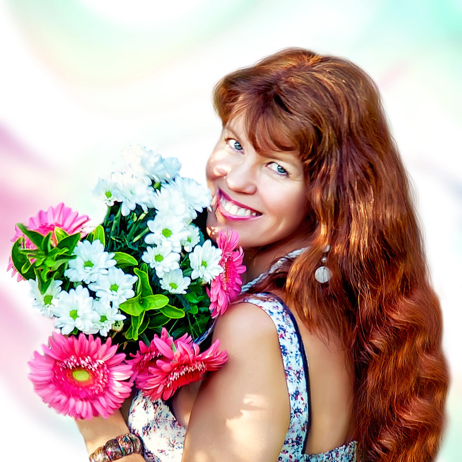 Wellcome to my creative and colorfull world! - I`m Natalie Maro – graphic designer, photographer, artist.