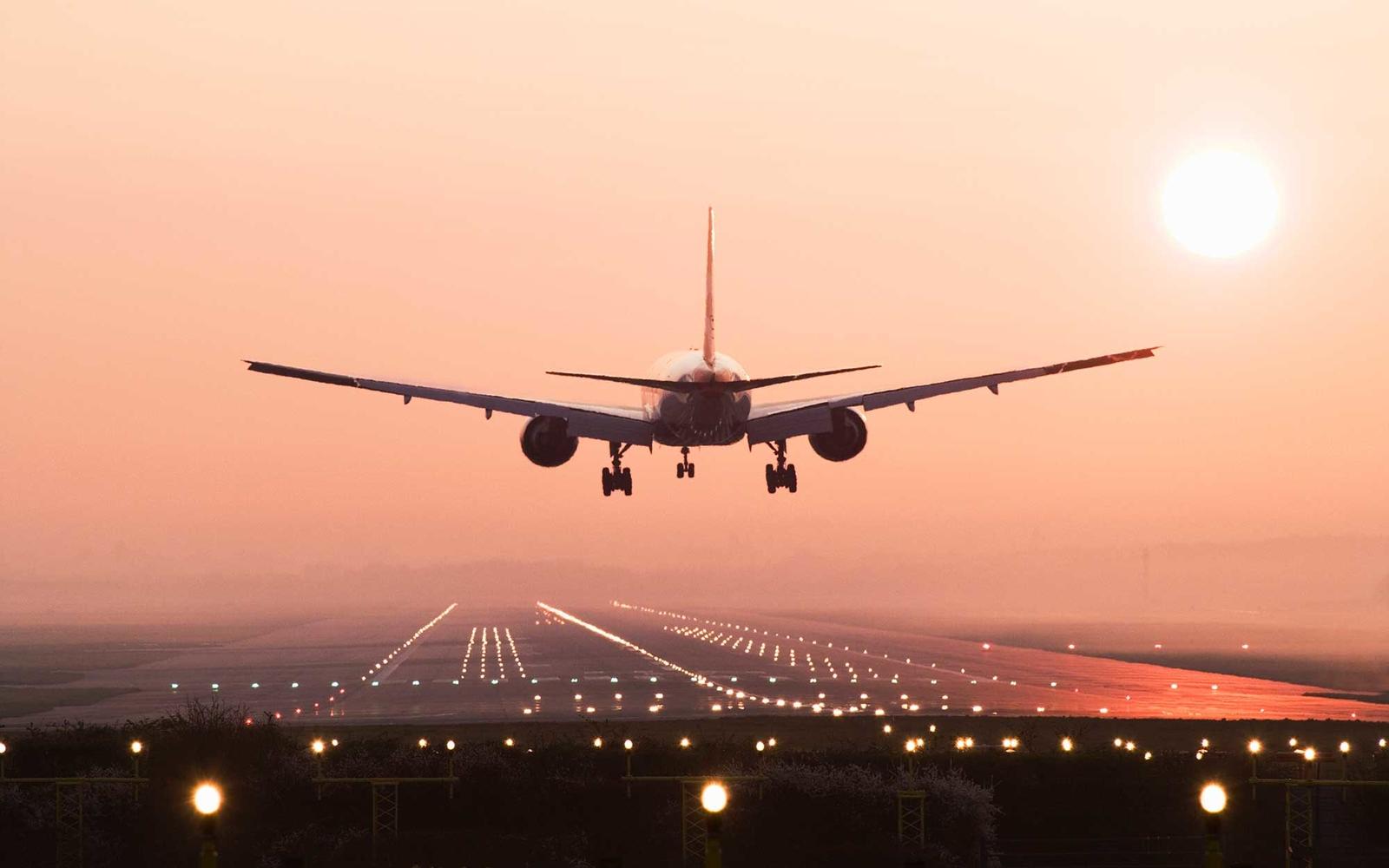landing1015-airplane.jpg
