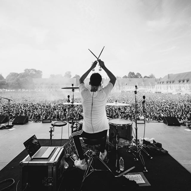 Today, we would like to do a big shout out to @enzo_gabert who is an early supporter of Vikory and has helped us from the beginning. This weekend, he was playing in front of 20K+ people with @skiptheuse. This young drummer will really go far !  Photo by @nickoguihal  #drumuniversity #drum #percussionist #drumtrepreneur #batterie #percussion #instadrums #vikory #music #drumsharing
