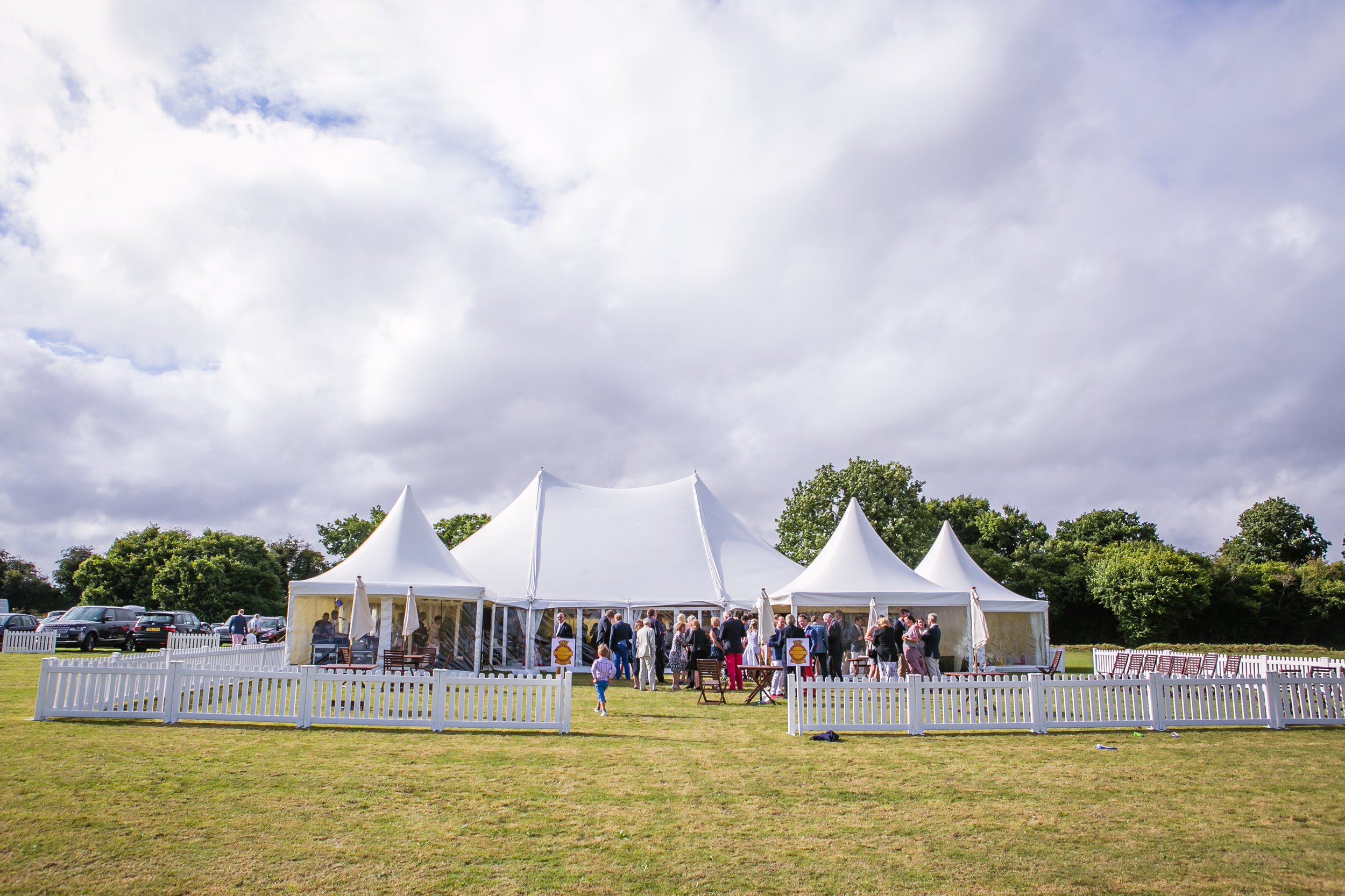 POLE MARQUEES -