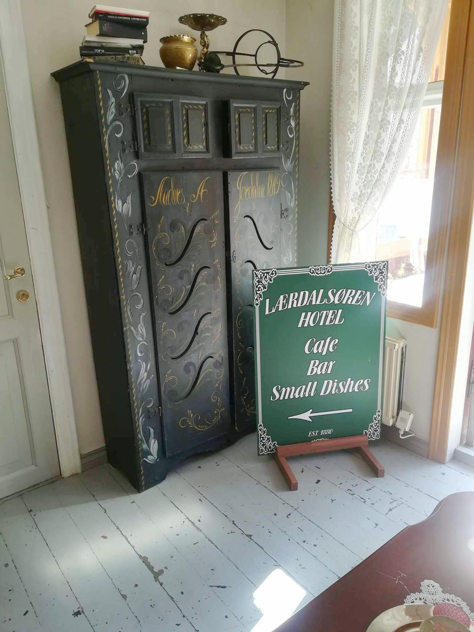 OLD  furniture  in palatial surroundings