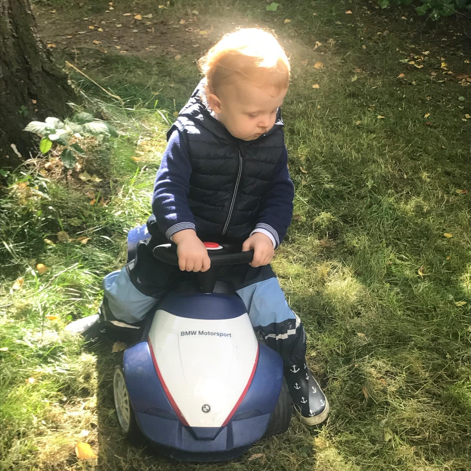 Richard mit seinem geliebten Bobby Car, September 2017