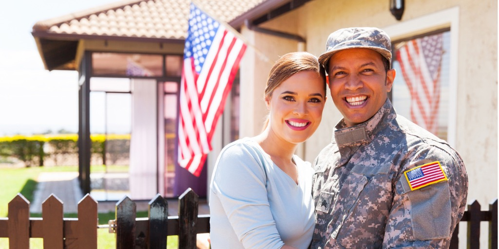 military-couple-hugging-picture-id515265604.jpg