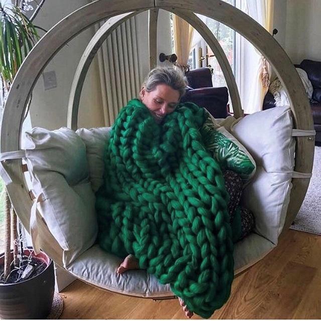 Arm knitted jumbo Blanket Throe