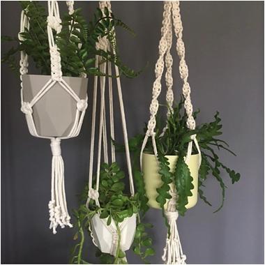 macrame plant hanger.png