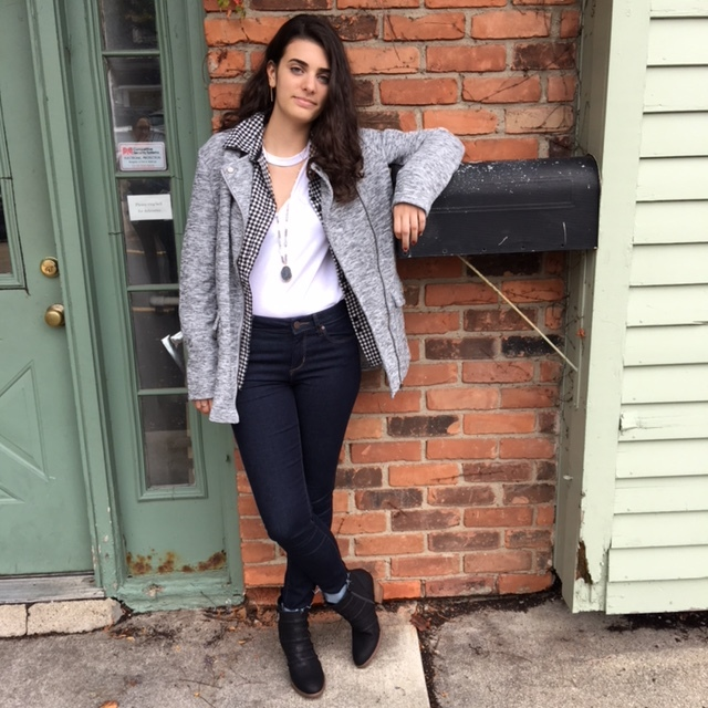 Layering Jeans - Lean back and relax with this easily layered white-T complimented with a flannel and grey zip-up jacket!