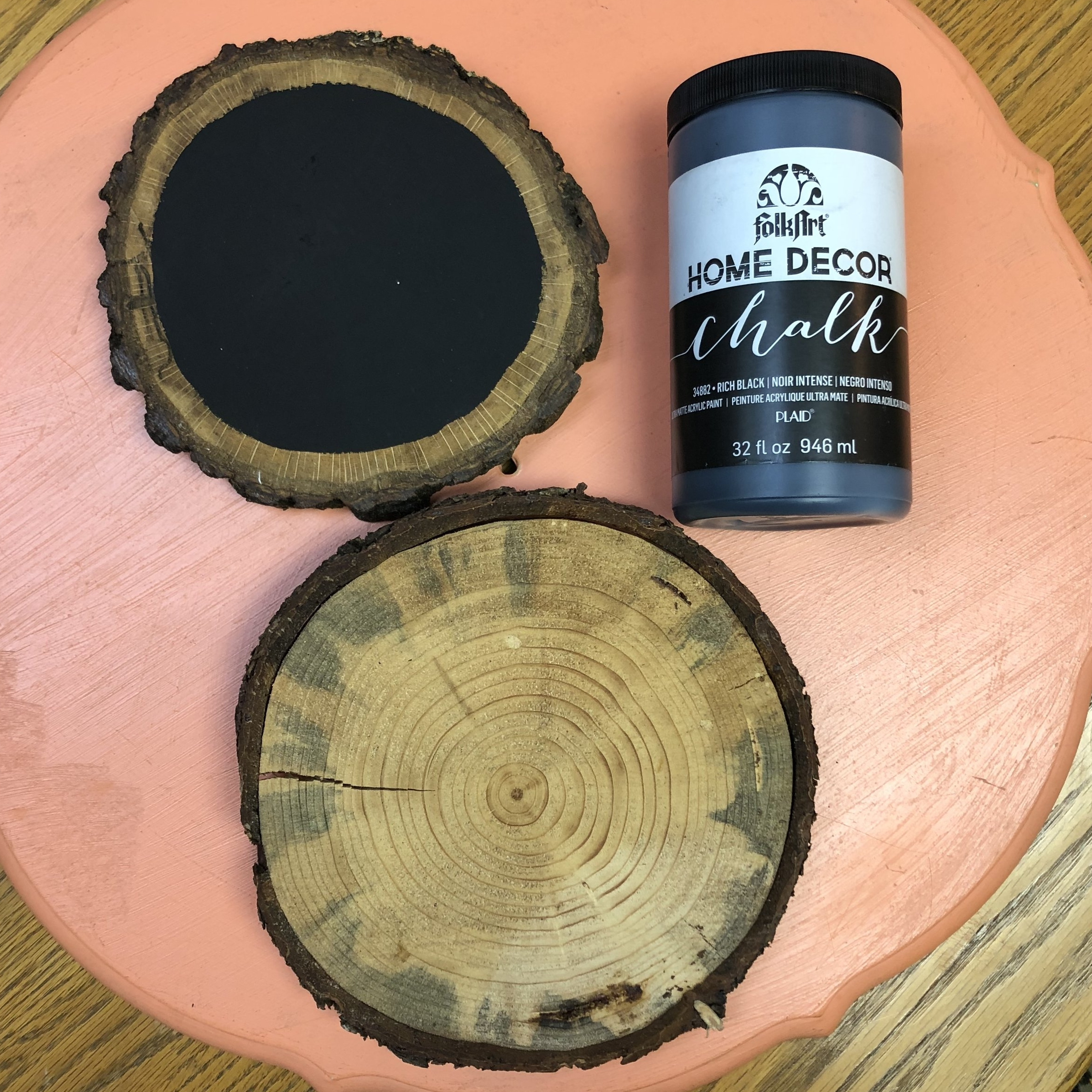 Wood-Slices-Painted-Chalkboard-Home-Decor.jpg