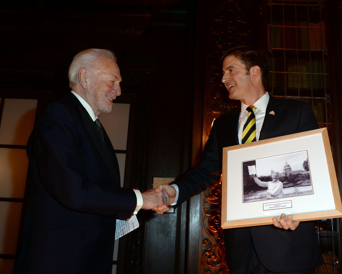 Christopher Plummer, Receiving the Sam Wanamaker Award from Neil Constable, Shakespeare's Globe London.JPG