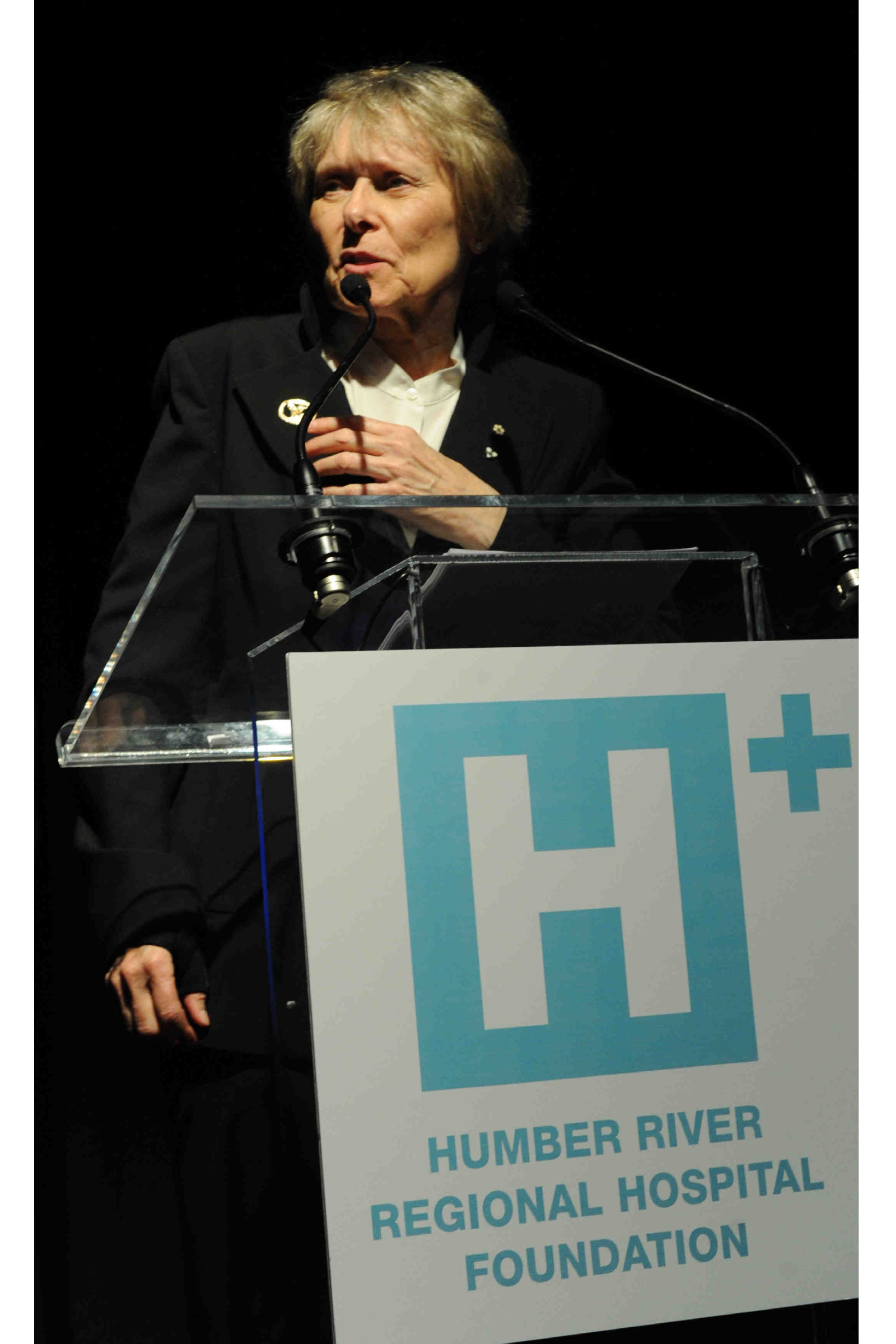 Roberta Bondar Accepting Award.JPG