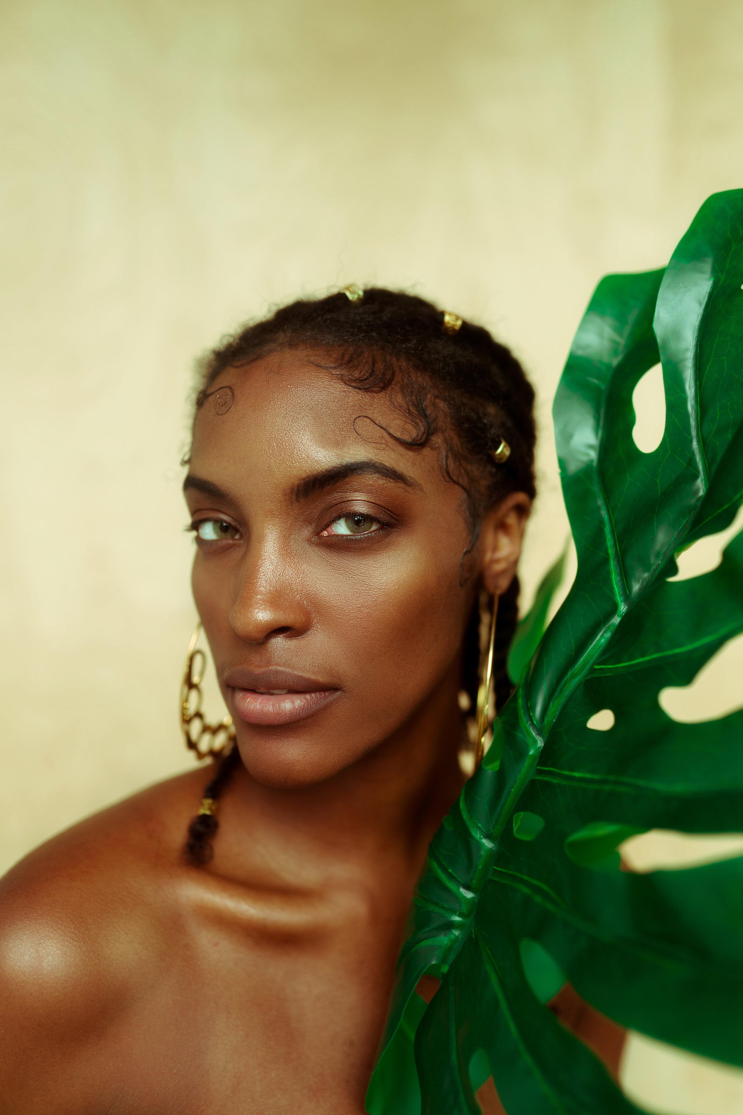 September Featured Shoot - Photography: @obislensStyled: @amandataymorHair: @temithomas_Models: @kaimech, @solglo_, @arichambers, @lifelovelily, @temithomas_,