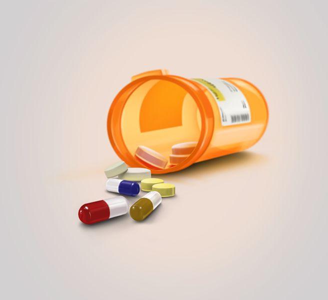 Pill_Bottle_Spilled.jpg