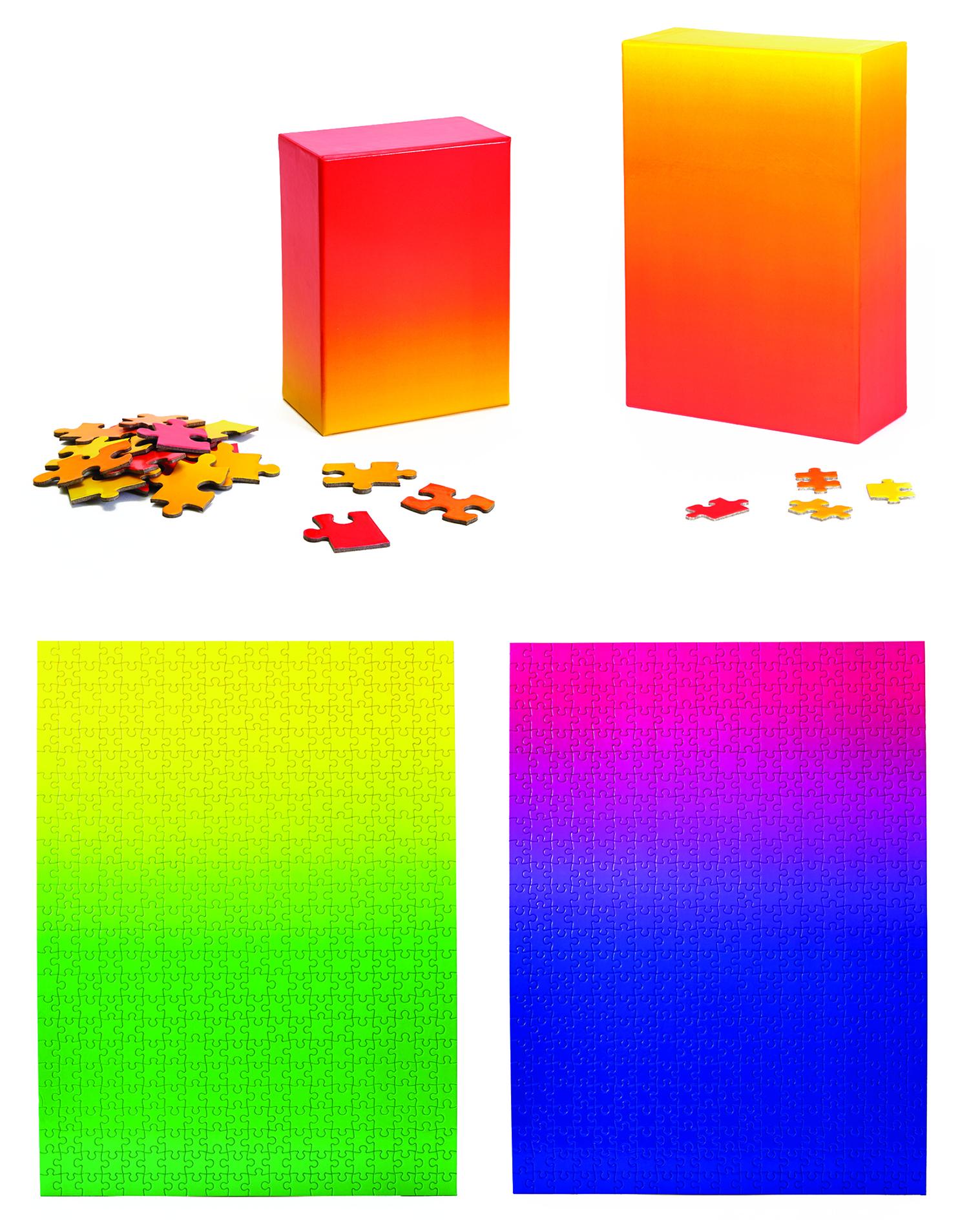 策展人:这款设计让拼图本身变的更简单,却也让游戏的过程更具挑战性,很喜欢这样的设计理念。 - 这款渐变色拼图为玩家提供了一种在趣味中感知色彩之美的机会。要将它们拼接在一起靠的不是一蹴而就,而是耐心,每片拼图的颜色都对应着一个既定的位置。