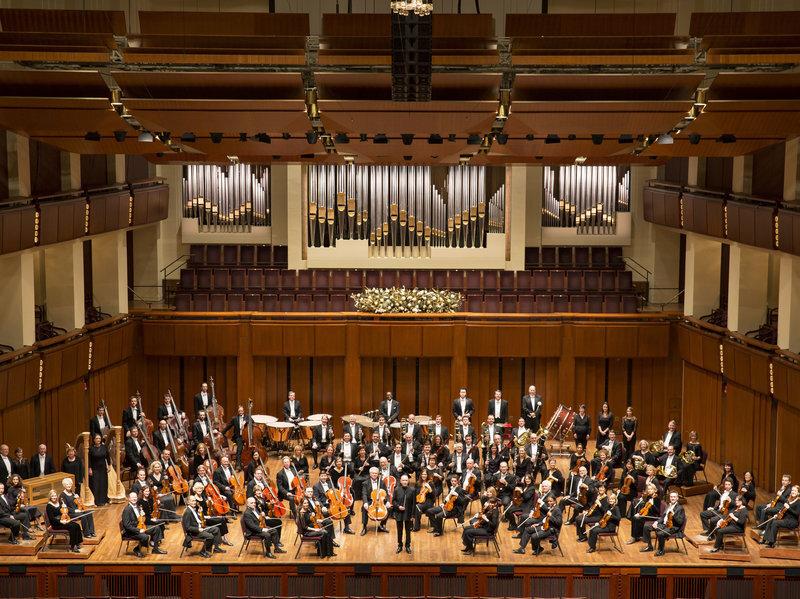 formal-portrait-national-symphony-orchestra-music-director-christoph-eschenbach-photo-by-scott-suchman-2014-372559d868d570c96a5a229c274d59547dbd006a-s800-c85.jpeg