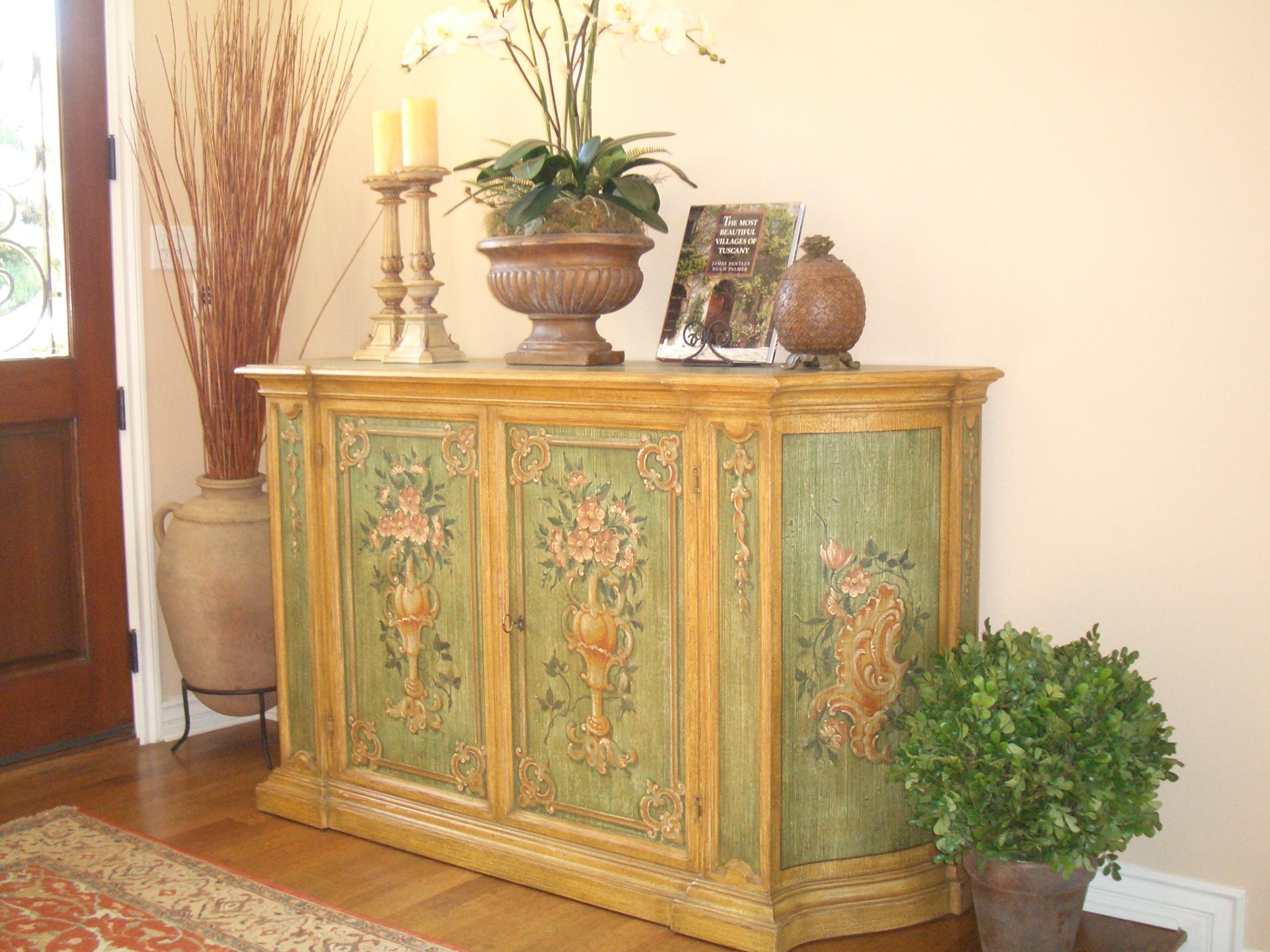 Pepys entry cabinet.JPG