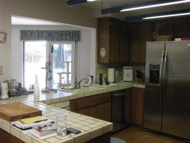 Kitchen- Before 1.jpg