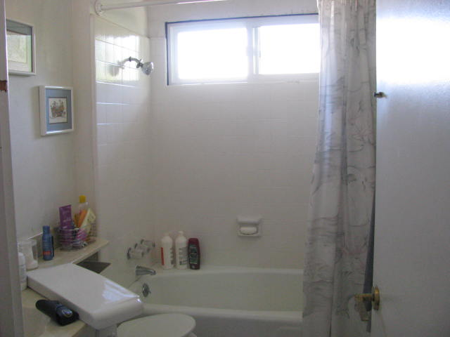 Pell Bathroom-BEFORE 005.jpg