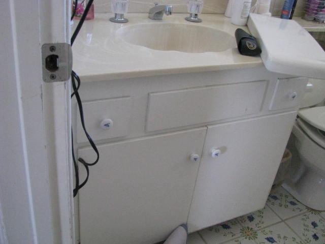 Pell Bathroom-BEFORE 006.jpg
