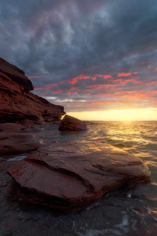Red Cliffs, Red Clouds