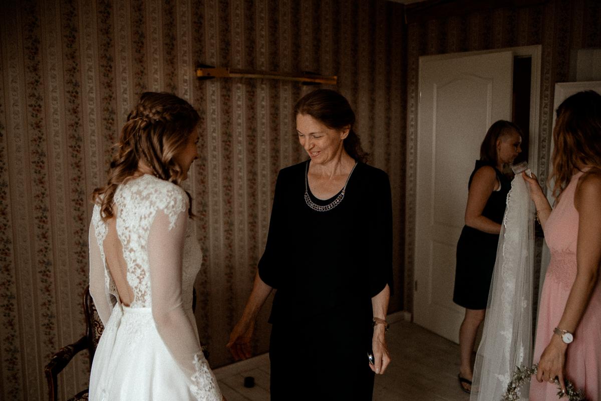 wholeheartedweddings-TimoMatthies-weddingphotography-moody-Melanie-Henrick-Mannheim-021.jpg