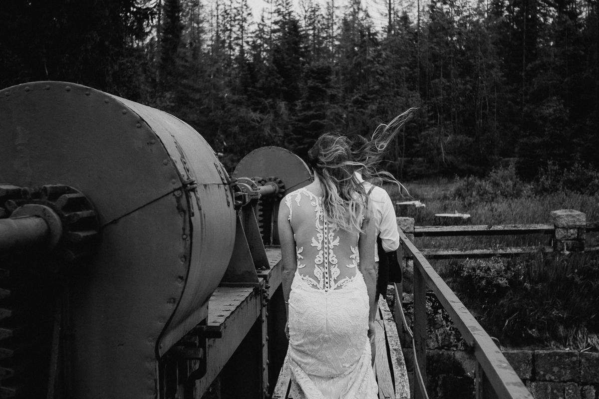wholeheartedweddings-TimoMatthies-weddingphotography-afterwedding-Leonie-Leonard-harz-boho011.jpg