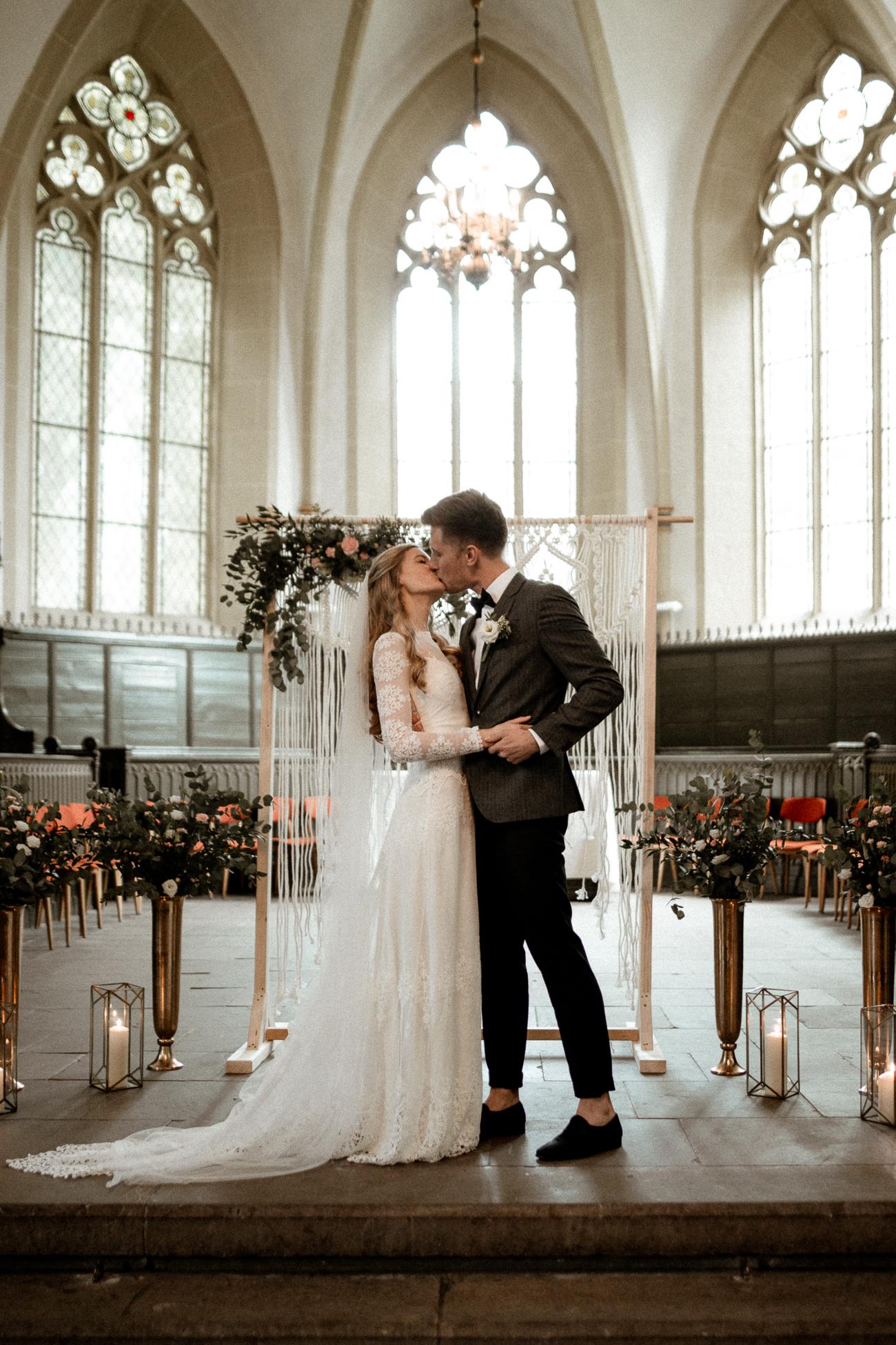 wholeheartedweddings-Timo-Matthies-Sean&Judy-boho-Barnweddings-hochformat-004.jpg