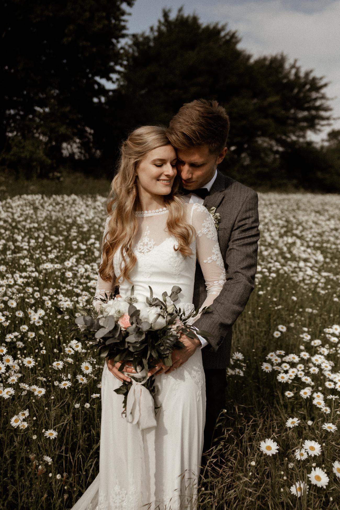 wholeheartedweddings-Timo-Matthies-Sean&Judy-boho-Barnweddings-hochformat-007.jpg