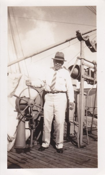 Fermin Urmeneta 1940 Hawaii.jpg