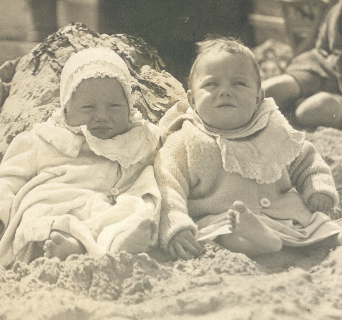 💕  My great Aunty Ivy on the left and her twin sister, my Nanna, Dora, on the right. They would've turned 100 this week if they were both still alive  💕
