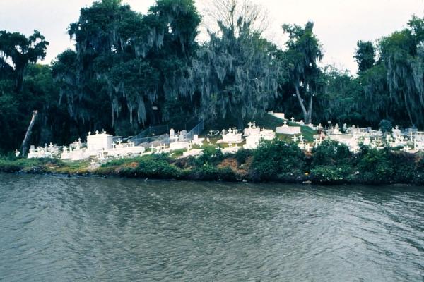 St. Berthoud Cemetery, Bayou Barataria. Photo by Barbara Spengler via  Wikimedia Commons .