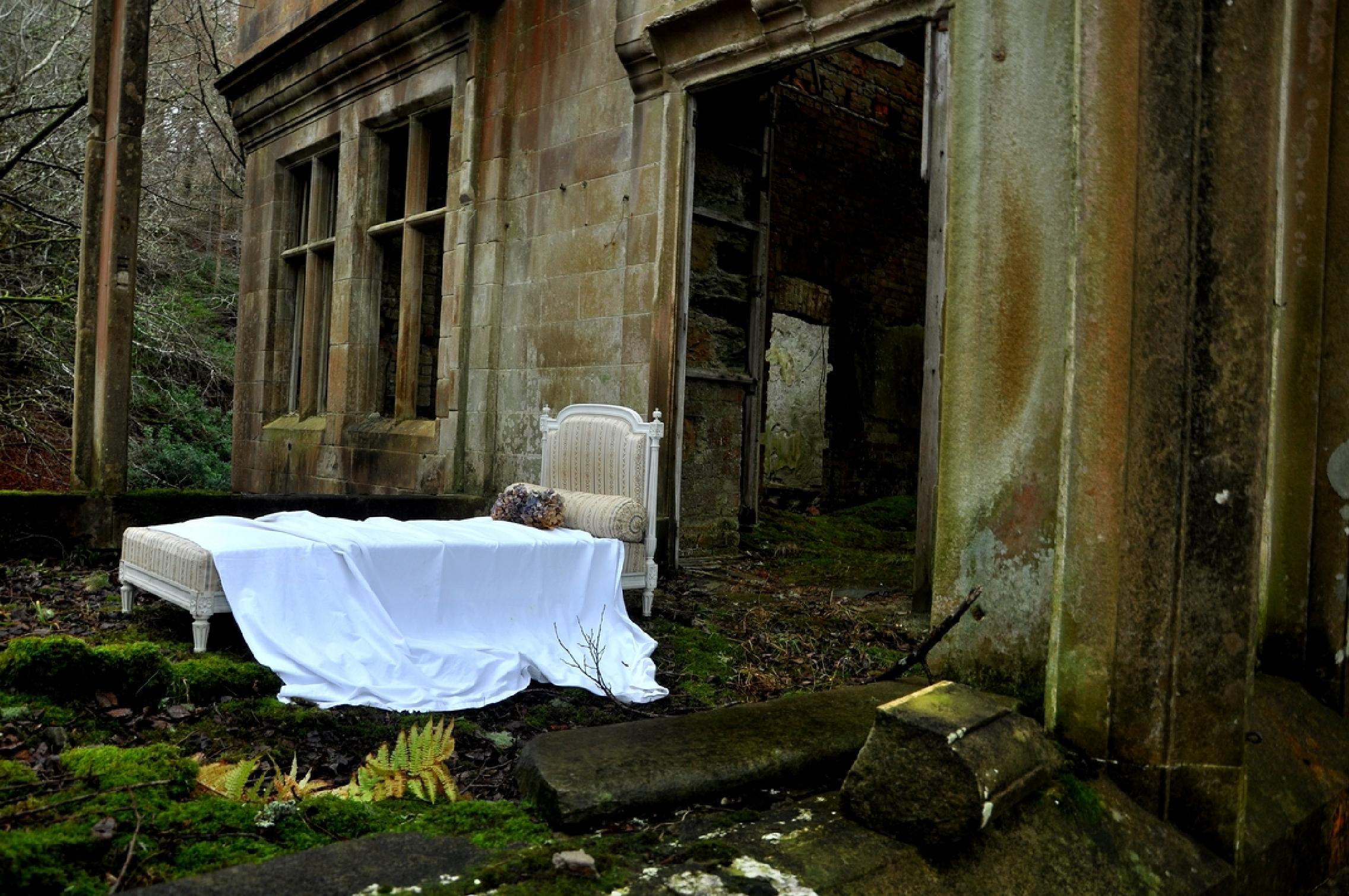 White bed in the orangerie. Exhibited: RSA. RGI, GNAS