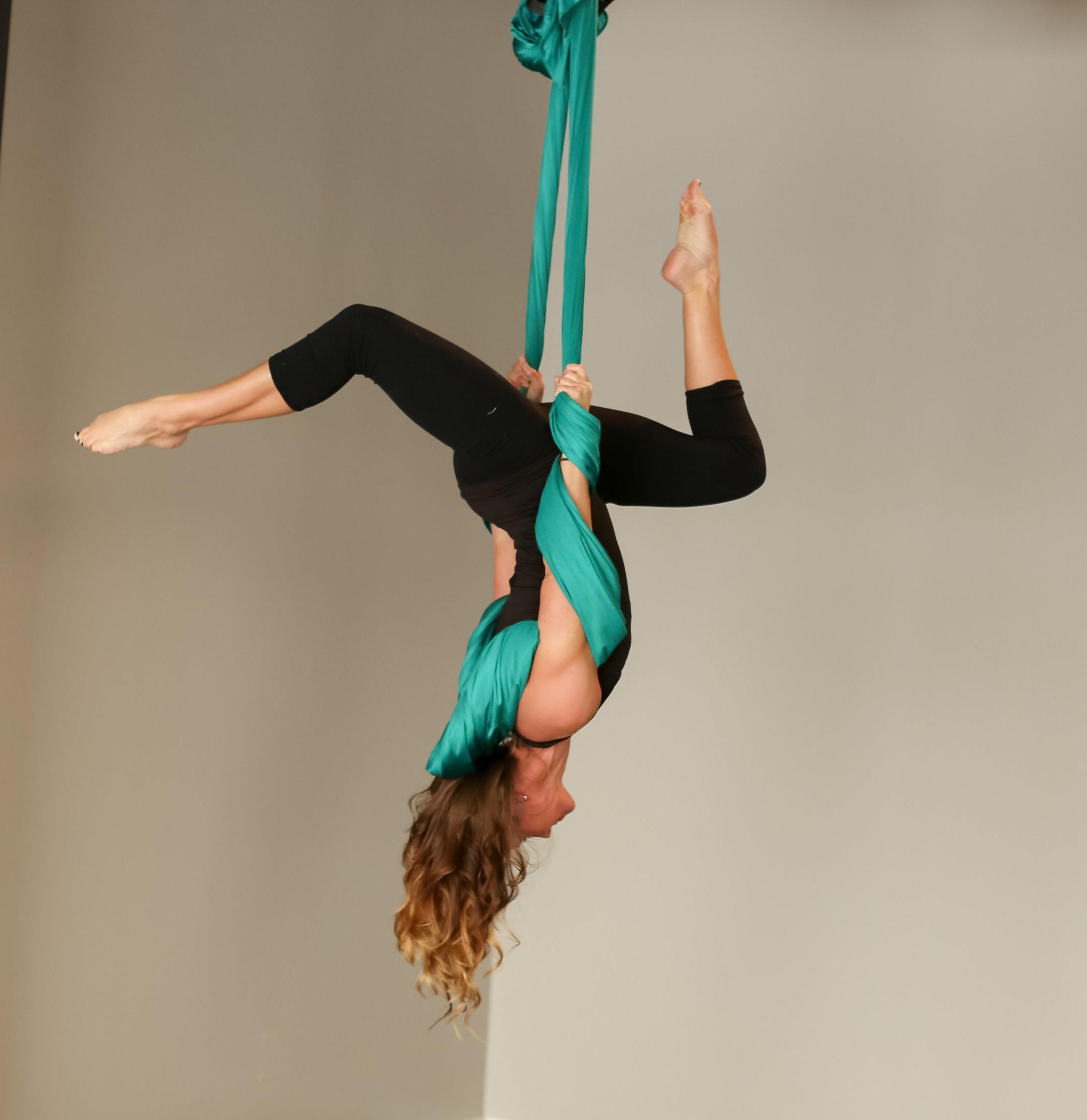Evolve—barre yoga Pilates