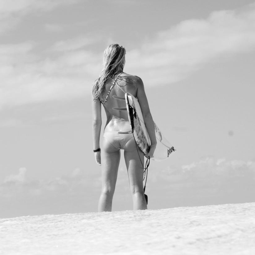 surfergirlsmall.jpg